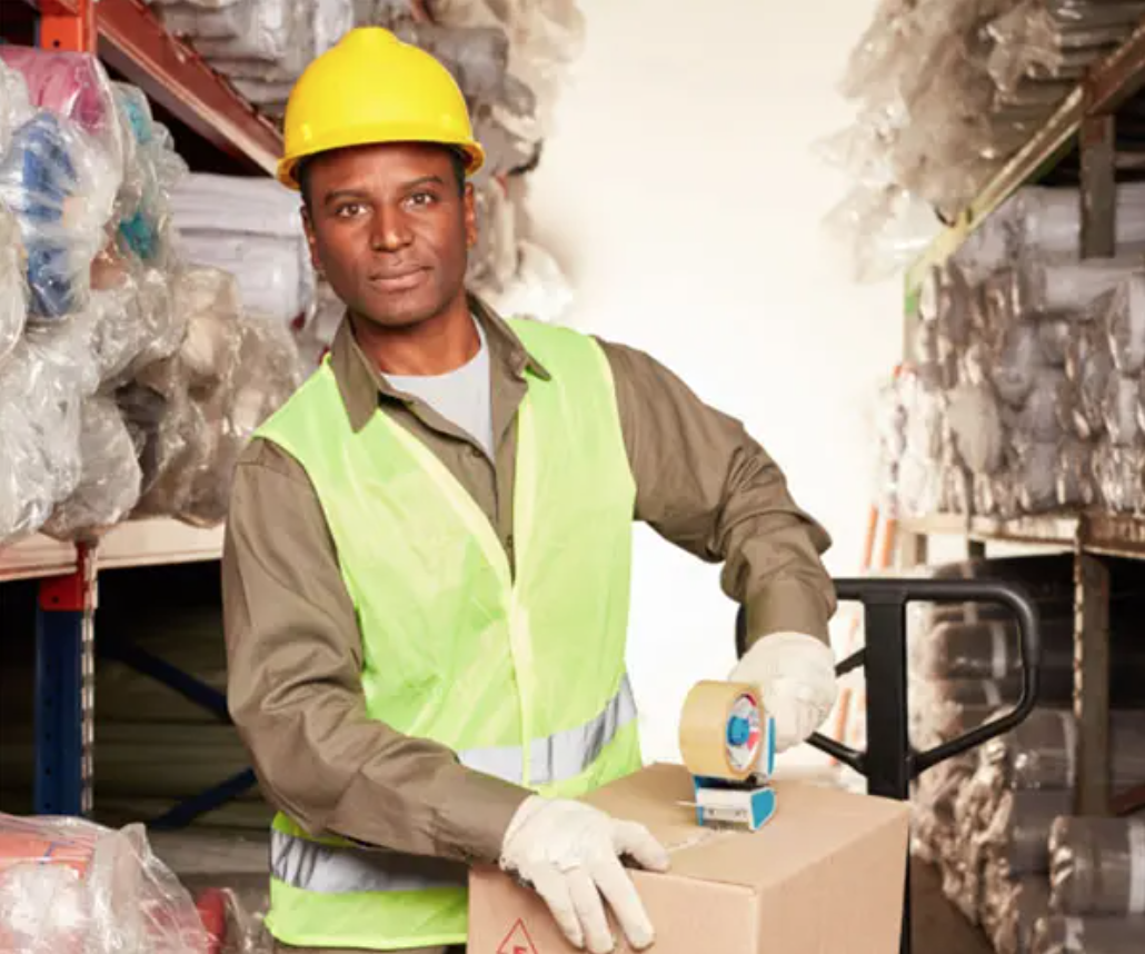 pick and pack warehouse worker